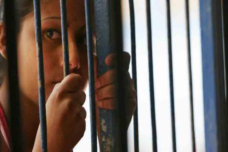 woman_prison2